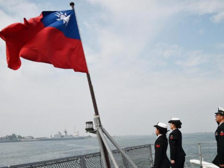 ताइवान की नौसेना इस वक्त अलर्ट मोड पर है। चीन समुद्र के रास्ते भी घुसपैठ की साजिश रच रहा है। (फाइल) - Dainik Bhaskar