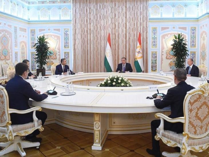 ताजिकिस्तान की दुशांबे में SCO देशों के राष्ट्रीय सुरक्षा सलाहकारों के बीच बैठक हुई। इसमें पाकिस्तान  के NSA मोईद यूसुफ ने भी हिस्सा लिया। - Dainik Bhaskar