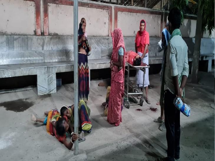 भागलपुर के सबौर में अपराधियों ने बाइक रोककर कनपटी में मारी गोली, अस्पताल पहुंचने से पहले ही युवक की मौत बिहार,Bihar - Dainik Bhaskar