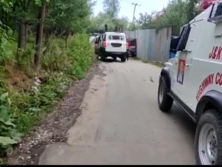 शोपियां में सुरक्षाबलों ने लश्कर के एक आतंकी को मार गिराया, दूसरे ने AK-56 राइफल के साथ सरेंडर किया|देश,National - Dainik Bhaskar