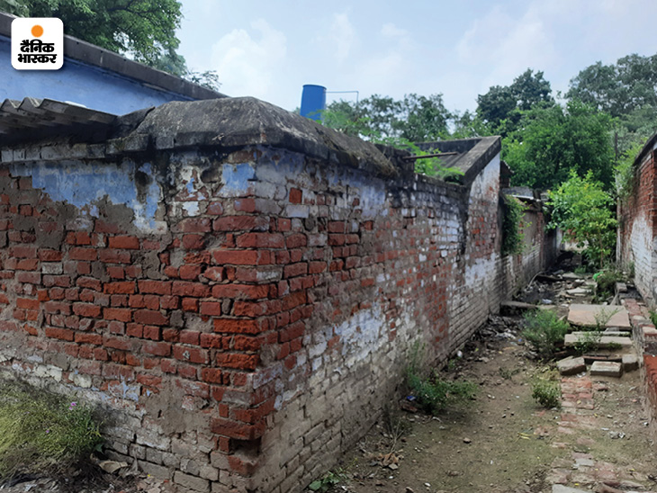 कानपुर के लाल इमली एरिया में इसी कॉलोनी में राष्ट्रपति रामनाथ कोविंद ने छात्र जीवन के 10 साल गुजारे थे। वे यहां अपनी बहन के यहां पढ़ने आए थे।