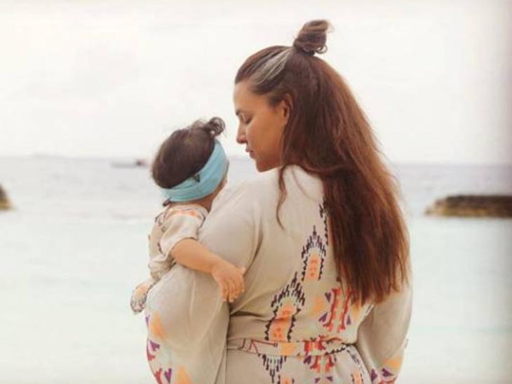 2 साल की बेटी मेहर को लेकर सेंसिटिव हैं नेहा धूपिया, बोलीं- उससे जुड़ी हर छोटी बात मुझे इमोशनल कर देती है|बॉलीवुड,Bollywood - Dainik Bhaskar