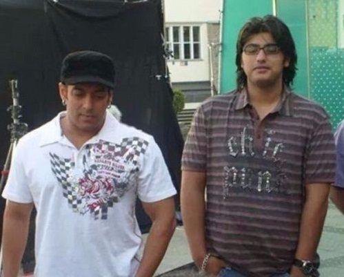 सलमान खान के साथ अर्जुन कपूर।