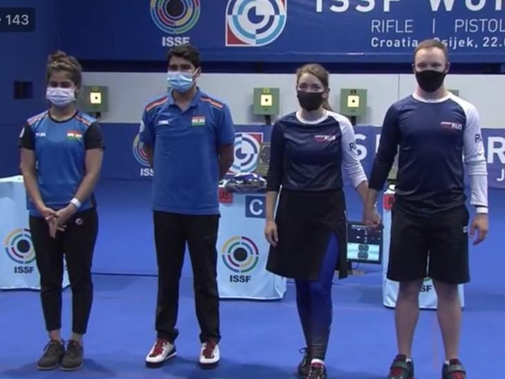 शूटिंग वर्ल्ड कप के 10 मीटर पिस्टल मिक्स्ड इवेंट में मनु भाकर और सौरभ चौधरी ने सिल्वर जीता। - Dainik Bhaskar