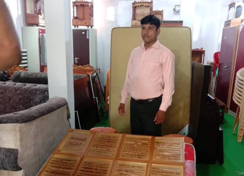 घर में खाने तक को नहीं था, कला ने दिलाया सम्मान; PM के बाद अब राष्ट्रपति को भेंट करेंगे लकड़ी की किताब|कानपुर,Kanpur - Dainik Bhaskar
