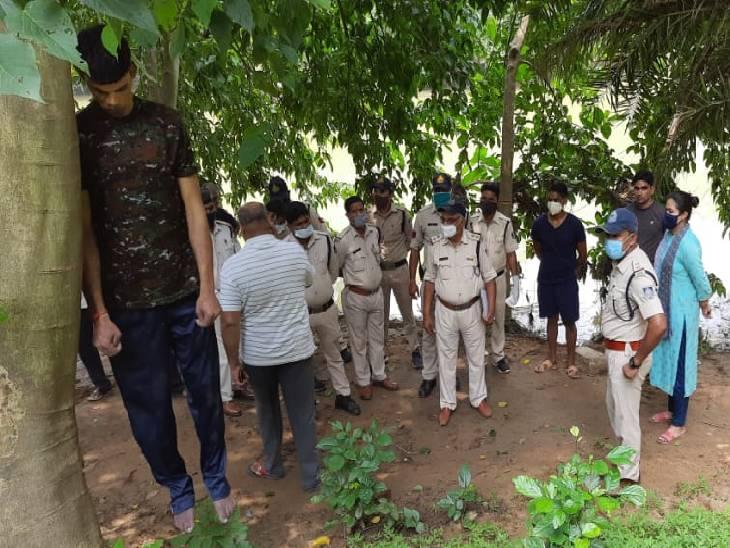 SAF की 25वीं बटालियन के जवान ने किया सुसाइड, नदी के किनारे पेड़ में लटका मिला शव, बड़वानी जिले का है मृतक|रीवा,Rewa - Dainik Bhaskar