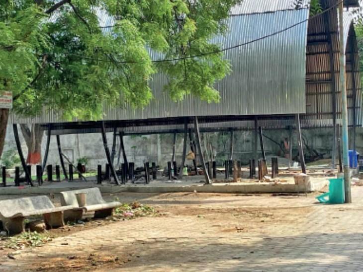 एक माह बाद राहतभरी खबर; इंदौर में 10 गुना तक घटे अंतिम संस्कार, 30 दिन पहले रोज 50-55 शव पहुंचते थे, अब 4 से 5|इंदौर,Indore - Dainik Bhaskar