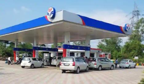 मंगलवार को 99.94 रुपए प्रति लीटर के हिसाब से बिक रहा; डीजल ने भी तेजी पकड़ी जालंधर,Jalandhar - Dainik Bhaskar