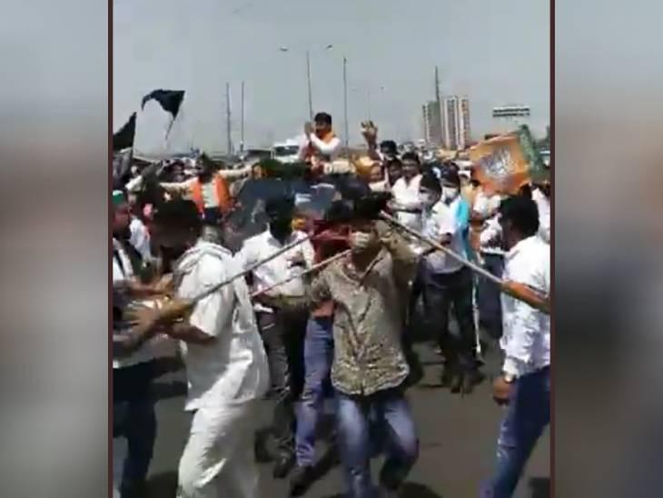 गाजियाबाद में भाजपा नेताओं के काफिले को किसानों ने दिखाए काले झंडे, टकराव में तीन गाड़ियों के शीशे टूटे|गाजियाबाद,Ghaziabad - Dainik Bhaskar