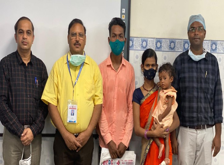 केजीएमयू के चिकित्सकों का सफल ईलाज,फेफड़े में ट्यूमर से ग्रसित 10 माह के गौरव को दिया जीवनदान|लखनऊ,Lucknow - Dainik Bhaskar