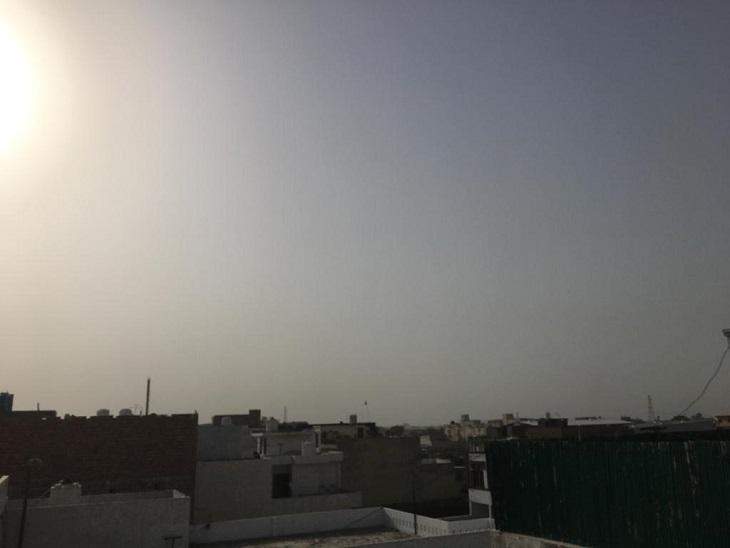 आसमान में हल्के बादल छाने से दो डिग्री कम हुआ तापमान, बारिश की 10% उम्मीद, शाम को चल सकती है धूल भरी आंधी|पानीपत,Panipat - Dainik Bhaskar