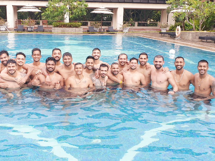 क्वारैंटाइन पीरियड खत्म होने के बाद स्विमिंग पूल में मस्ती कर रहे भारतीय खिलाड़ी; 13 जुलाई को खेला जाएगा पहला वनडे|क्रिकेट,Cricket - Dainik Bhaskar
