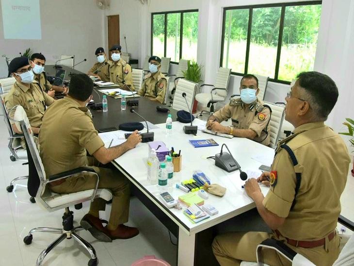 वाराणसी में इस बार सावन में तैनात होने वाले पुलिस कर्मियों को किया जाएगा प्रशिक्षित, पुलिस लाइन में बताया जाएगा कैसे पेश आएं श्रद्धालुओं से|वाराणसी,Varanasi - Dainik Bhaskar