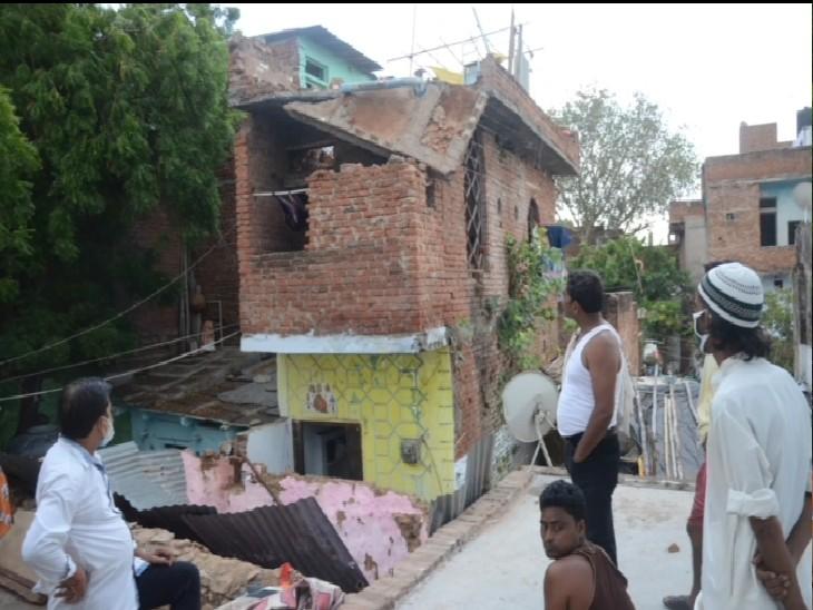20 मिनट तक मलबे में फंसी रहीं 4 जिंदगी, लोगों ने निकालकर हॉस्पिटल पहुंचाया, बचाई जान|ग्वालियर,Gwalior - Dainik Bhaskar