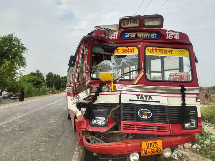 रोडवेज बस और ट्रक में जोरदार भिड़ंत, 14 एनसीसी कैडेट्स समेत 18 यात्री घायल, 6 की हालत गंभीर|आगरा,Agra - Dainik Bhaskar