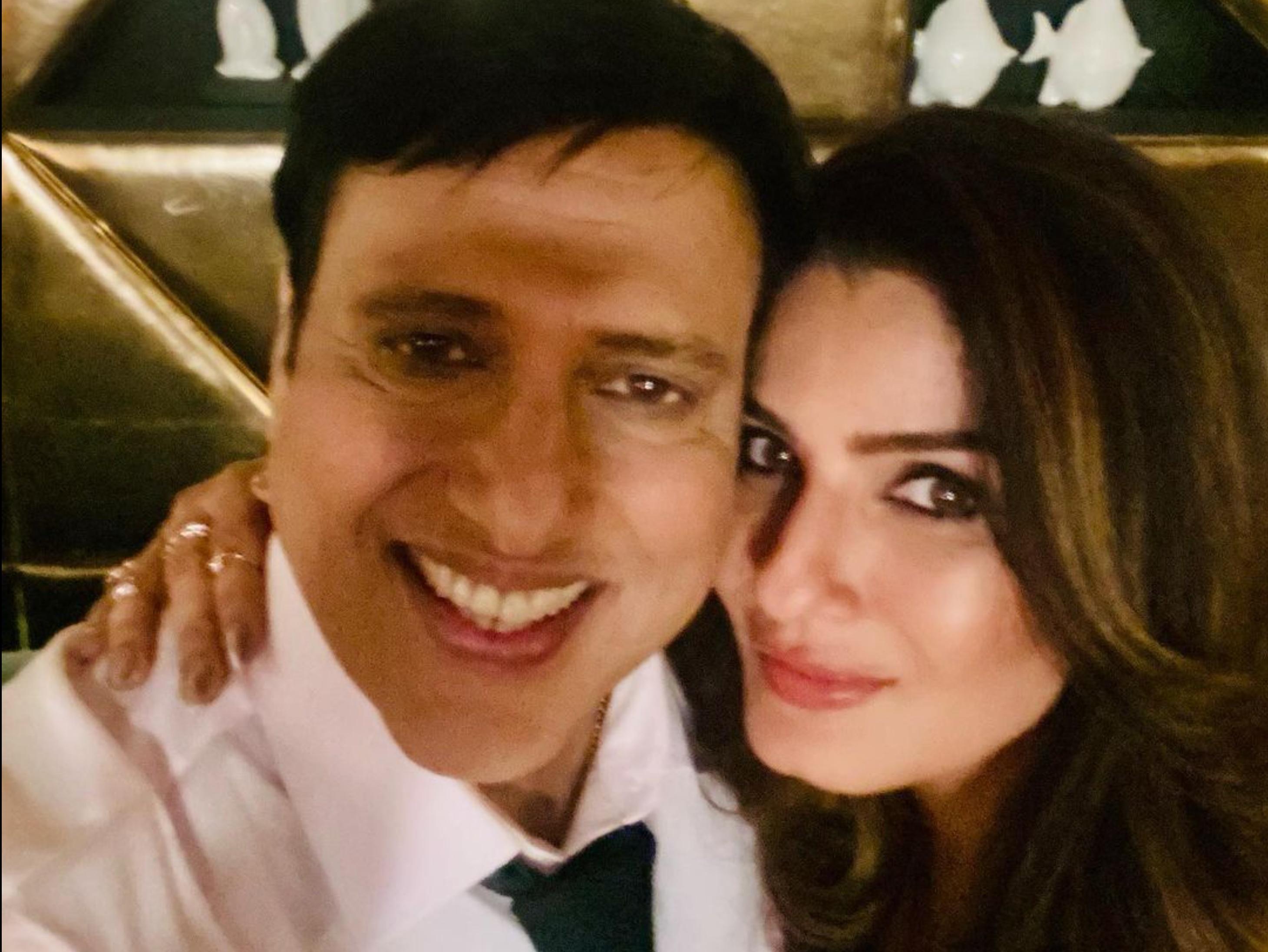 रवीना टंडन ने गोविंदा के साथ शेयर की फोटो, सीक्रेट प्रोजेक्ट के लिए साथ आई 90's की सुपरहिट जोड़ी|बॉलीवुड,Bollywood - Dainik Bhaskar
