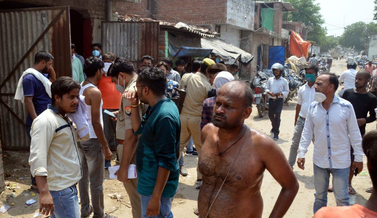 सूचना देने के बाद भी पुलिस नहीं पहुंची तो बजरंग दल और विहिप के कार्यकर्ता पहुंच गए थे अवैध स्लाटर हाउस बंद कराने, पुलिस पर संरक्षण का आरोप|कानपुर,Kanpur - Dainik Bhaskar