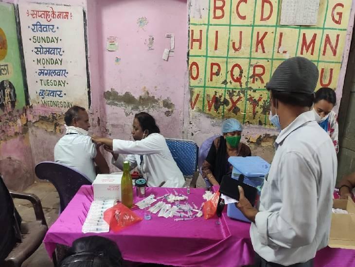 शहर के 41 सेंटर्स पर कोवीशील्ड तो 178 स्थानों पर कोवैक्सीन का लगाया जा रहा सेकेंड डोज, ऑन द स्पाॅट हो रहा रजिस्ट्रेशन|जबलपुर,Jabalpur - Dainik Bhaskar