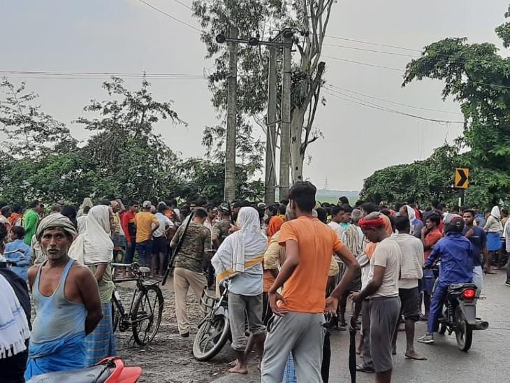 रोहतास के 2 गांव में बिजली गिरने से 3 की मौत; इलाके में कोहराम, परिजनों का रो-रोकर बुरा हाल|रोहतास,Rohtas - Dainik Bhaskar