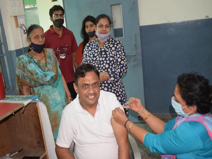 अब तक जिले के कुल 3.30 लाख का किया जा चुका है कोरोना वैक्सीनेशन|पानीपत,Panipat - Dainik Bhaskar