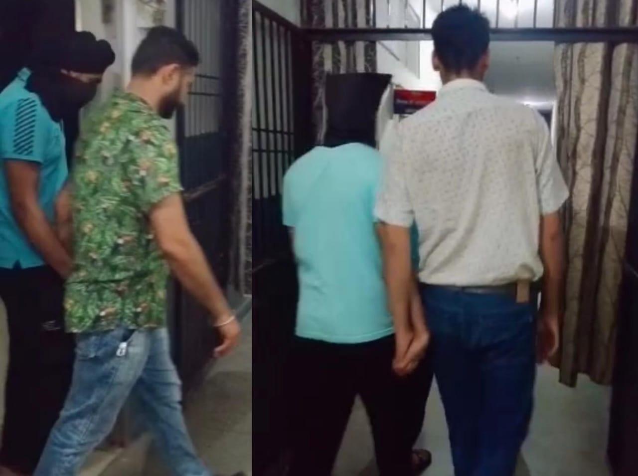 4 महीने में नेशनल सिक्योरिटी व डिफेंस से जुड़े 900 दस्तावेज सीमा पार भेजे, ड्रग स्मगलर से पूछताछ के बाद पकड़े गए, आर्मी ने जालंधर पुलिस को सौंपे जालंधर,Jalandhar - Dainik Bhaskar