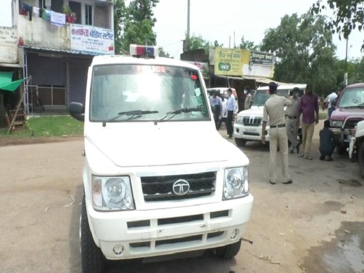 CG के हाईप्रोफाइल जिले में हिस्ट्रीशीटर की कार पर फायरिंग, घटनास्थल पर नहीं पहुंचने पर TI लाइन अटैच|भिलाई,Bhilai - Dainik Bhaskar