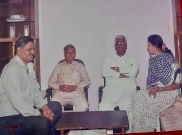 मंगूभाई पटेल ने 1990 में विधायक का चुनाव लड़ा और जीत हासिल की थी।