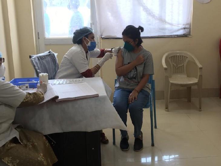 टीके के पहले डोज के लिए अभी करना होगा इंतजार, बुधवार को भी कोवैक्सिन-कोवीशील्ड के दूसरे डोज ही लग रहे|ग्वालियर,Gwalior - Dainik Bhaskar
