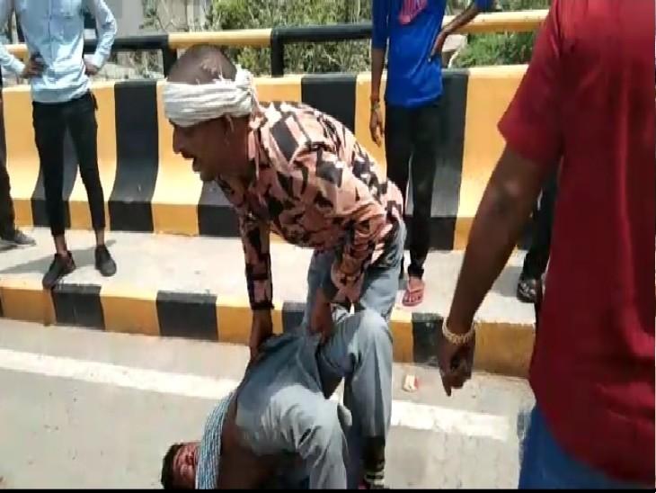 ग्वालियर में नशे के लिए हुआ झगड़ा, पेपर कटर से साथी के चेहरे पर किए कई वार, हमलावरों में महिला भी शामिल|ग्वालियर,Gwalior - Dainik Bhaskar