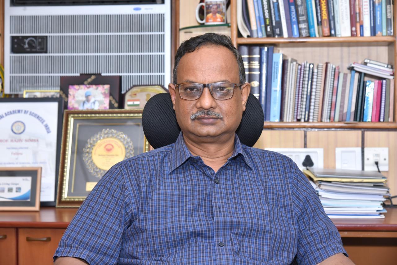 प्रो राजीव सिन्हा डिपार्टमेंट ऑफ़ अर्थ साइंसेज, आईआईटी कानपुर