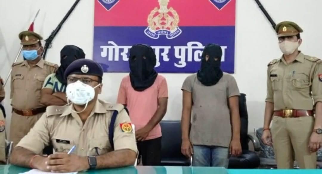 चोरी और स्नेचिंग की 5 घटनाओं का पर्दाफाश; लूटी गई चेन और मोबाइल समेत एक किलो गांजा बरामद|गोरखपुर,Gorakhpur - Dainik Bhaskar
