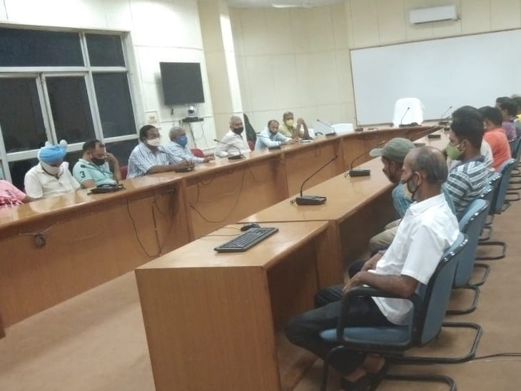 थर्मल प्लांट में एक ऑपरेटर के जिम्मे ज्यादा लोकेशन देने के खिलाफ विधुत उत्पादन कर्मचारी संघ ने मोर्चा खोला, नई भर्ती की मांग कोटा,Kota - Dainik Bhaskar