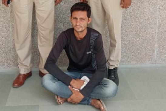 19 साल का लड़का ठेले वाले के पास न जाकर पहुंचा पड़ोस की दुकान पर, गुस्से में युवक के साथ मारपीट की, चाकू से गले पर किए वार नागौर,Nagaur - Dainik Bhaskar