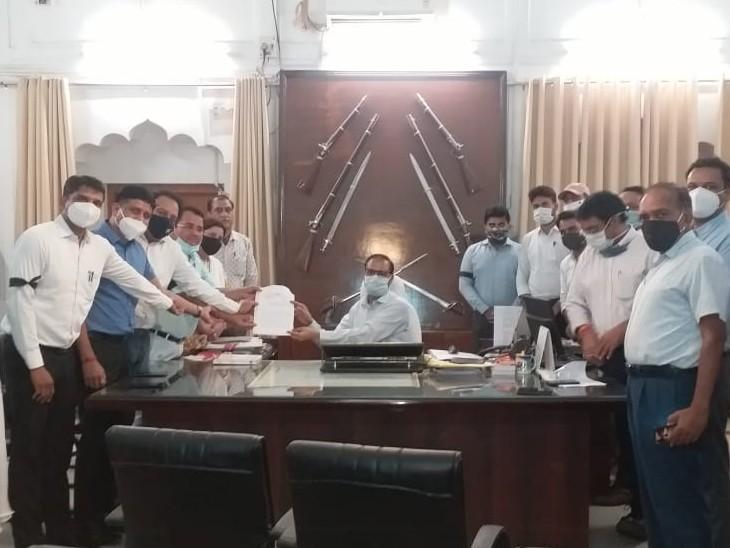 अलवर के बहरोड़ में एमएलए-एसडीएम विवाद और आगे बढ़ा, अधिकारियों ने कहा कि एसडीएम के साथ गलत बर्ताव, इससे सबकी गरिमा को ठेस पहुंची|अलवर,Alwar - Dainik Bhaskar