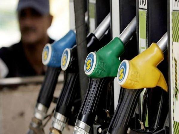 पेट्रोल 100 रुपए, 5 माह में राज्य ने कमाए 2106 करोड़, तो वैट की दर क्यों नहीं घटती|रायपुर,Raipur - Dainik Bhaskar