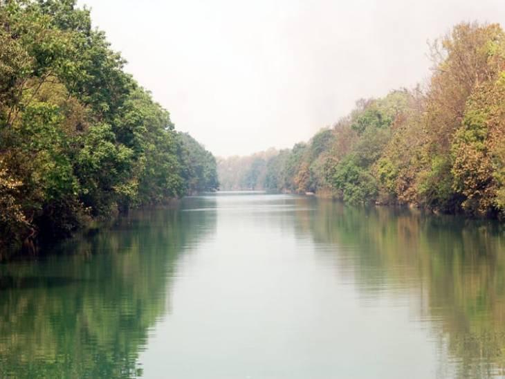 'चूका बीच' जंगल की हरी-भरी वादियों के बीच स्थापित किया गया है, इससे सटे क्षेत्र में शारदा सागर जलाशय भी है।