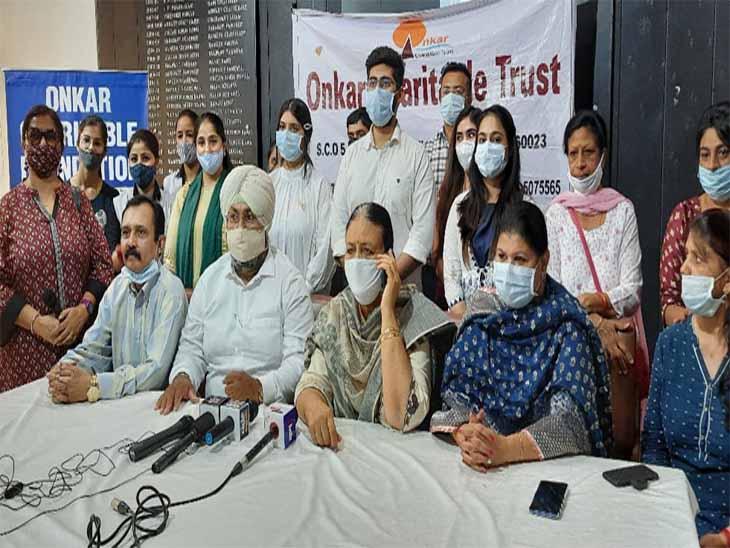 कोरोना काल के दौरान मरीजों कीसहायता करने वाले डॉक्टरों को शहर की संस्था ने सम्मानित किया|चंडीगढ़,Chandigarh - Dainik Bhaskar