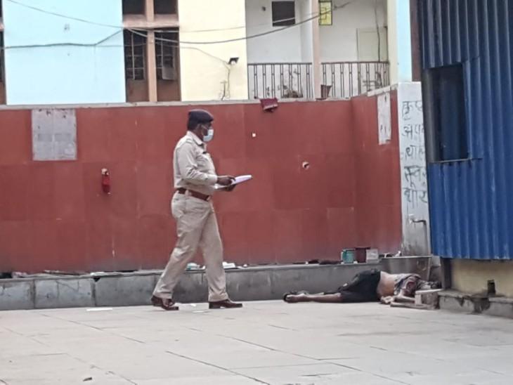 लाश की जानकारी मेकाहारा पुलिस चौकी में भी दी गई।