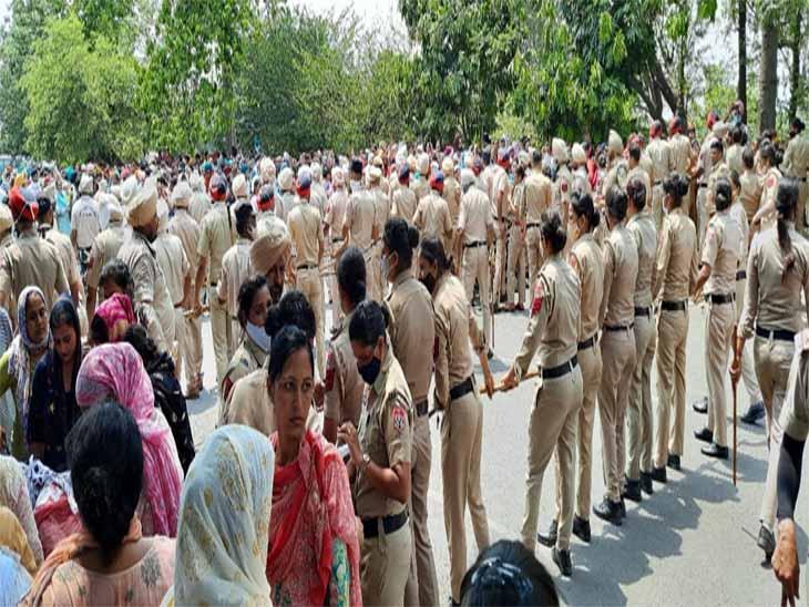 पंजाब पुलिस को काफी संख्या में लगाया गया लेकिन अस्थायी टीचर आगे निकल गए