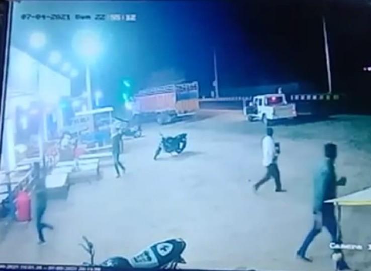 होटल कर्मचारियों ने सुबह 6 बजे जाने का बोला तो जान से मारने की धमकी दी, रात को 4 साथियों के साथ मिलकर की फायरिंग, एक गिरफ्तार|नागौर,Nagaur - Dainik Bhaskar