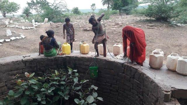 संदिग्ध बीमारी से एक हफ्ते में 3 बच्चों की मौत, लोग जता रहे कोरोना की तीसरी लहर की आशंका; कलेक्टर बोले- सर्दी-जुकाम से हुई मौत|जबलपुर,Jabalpur - Dainik Bhaskar