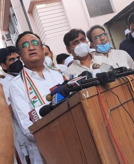 सब पार्टियों में ऐसा होता है, आपको कांग्रेस ही नजर क्यों आती है; मंत्रिमंडल विस्तार पर कहा- काम प्रगति पर है|जयपुर,Jaipur - Dainik Bhaskar
