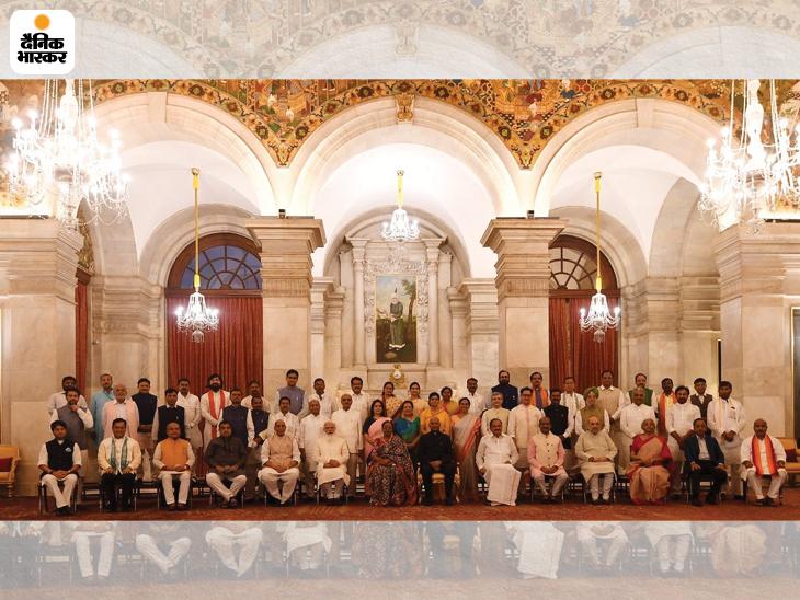 43 मंत्रियों की शपथ; 36 नए चेहरे, इनमें 7 यूपी और 3 गुजरात के जहां अगले साल चुनाव; 7 को प्रमोशन, 12 का इस्तीफा देश,National - Dainik Bhaskar