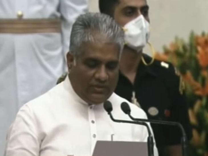 राष्ट्रपति भवन में कैबिनेट मंत्री पद की शपथ लेते भूपेंद्र यादव - Dainik Bhaskar