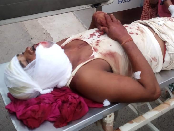 रेत के अवैध कारोबार को लेकर दो पक्षों में झड़प, गोलीबारी में 1 युवक को लगी गोली, अस्पताल में भर्ती|बिहार,Bihar - Dainik Bhaskar