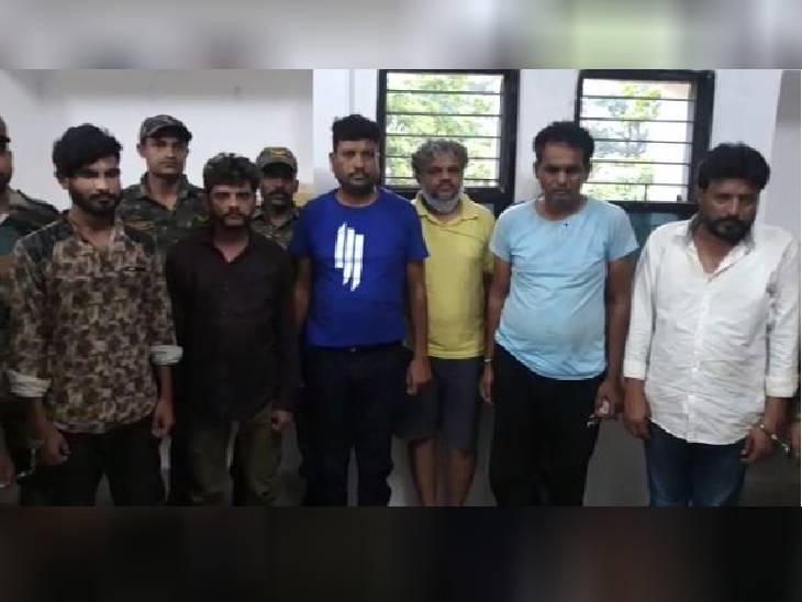 मध्यप्रदेश, छग और महाराष्ट्र में नक्सलियों को भेजते थे हथियार और विस्फोटक, पढ़े-लिखे लोगों का ब्रेन वॉश भी करते थे|मध्य प्रदेश,Madhya Pradesh - Dainik Bhaskar