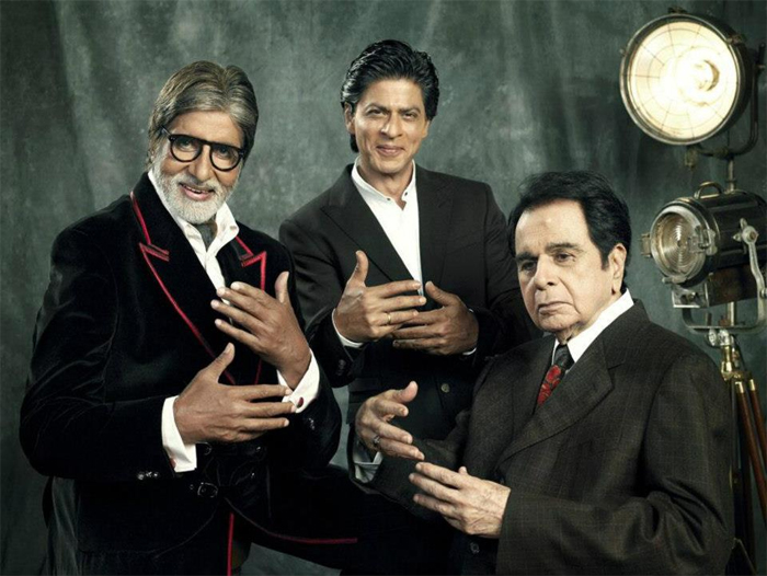 सिनेमा के 100 साल पूरे होने पर एक मैगजीन ने तीन सुपरस्टार्स (दिलीप कुमार, अमिताभ बच्चन और शाहरुख खान) के साथ एक स्पेशल फोटोशूट किया था। यह तस्वीर उसी दौरान की है।