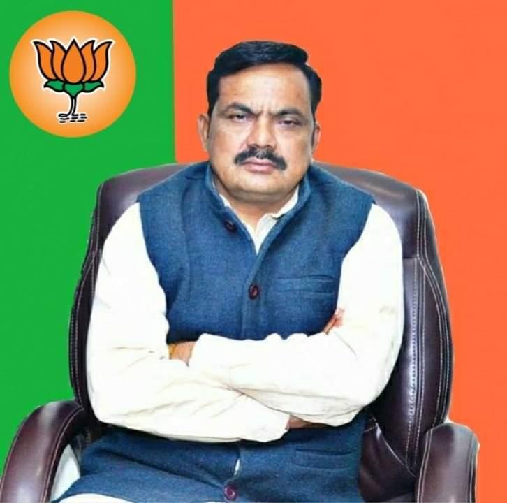 पुलिस ने किया बाइक सवार का चालान तो भाजपा नेता ने दी गालियां, पुलिस ने दर्ज किया मुकदमा|आगरा,Agra - Dainik Bhaskar