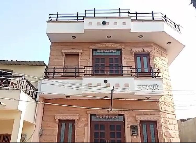 पाली जिले के जीवंद कलां गांव में उनका पैतृक मकान।