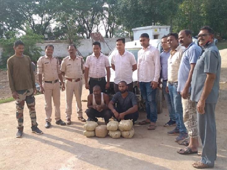 बिलासपुर पुलिस बचकर भाग रहे तस्करों की कार कवर्धा के तालाब में गिरी, 7 गिरफ्तार; ओडिशा से गांजा लेकर MP जा रहे थे|छत्तीसगढ़,Chhattisgarh - Dainik Bhaskar